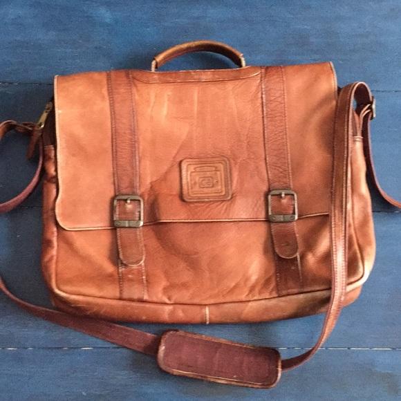 304a04eb0e6e Geoffrey Beene Other - Vintage Geoffrey Beene messenger bag
